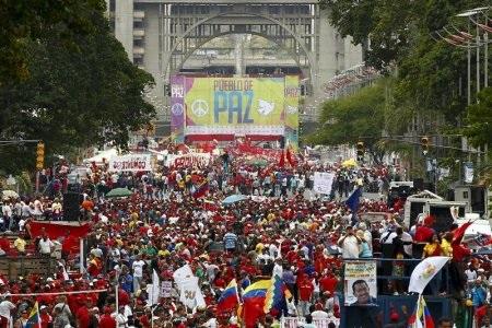 http://drdawgsblawg.ca/Chavistas%20support%20maduro.jpg