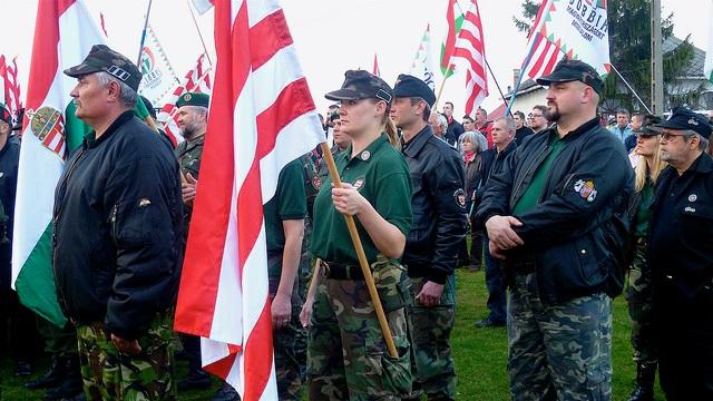 Hungary neonazis.jpg
