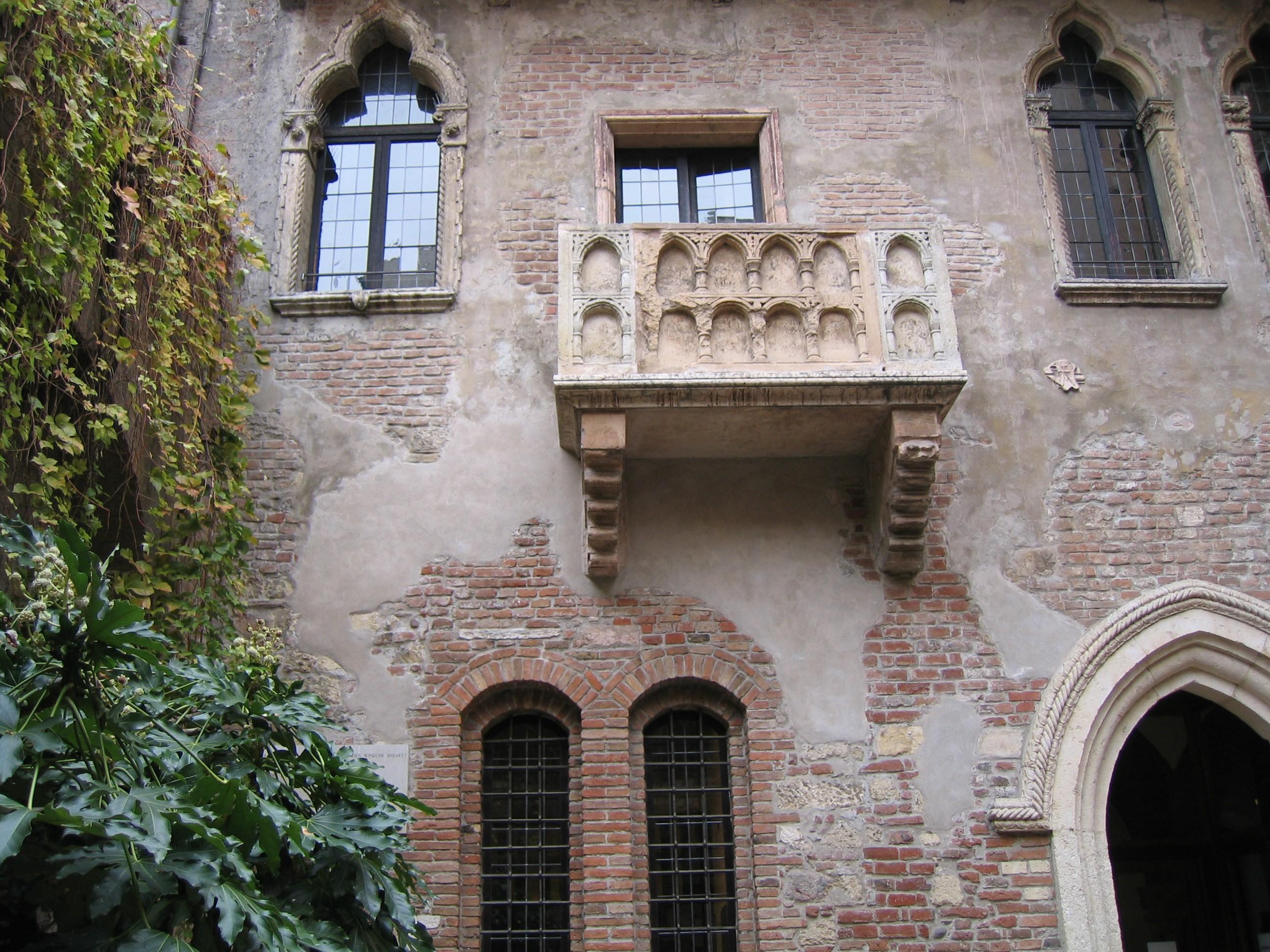 Juliet's balcony.jpg