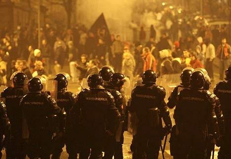 UK riots.jpg