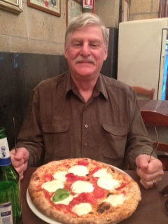 pizza a napoli.jpg